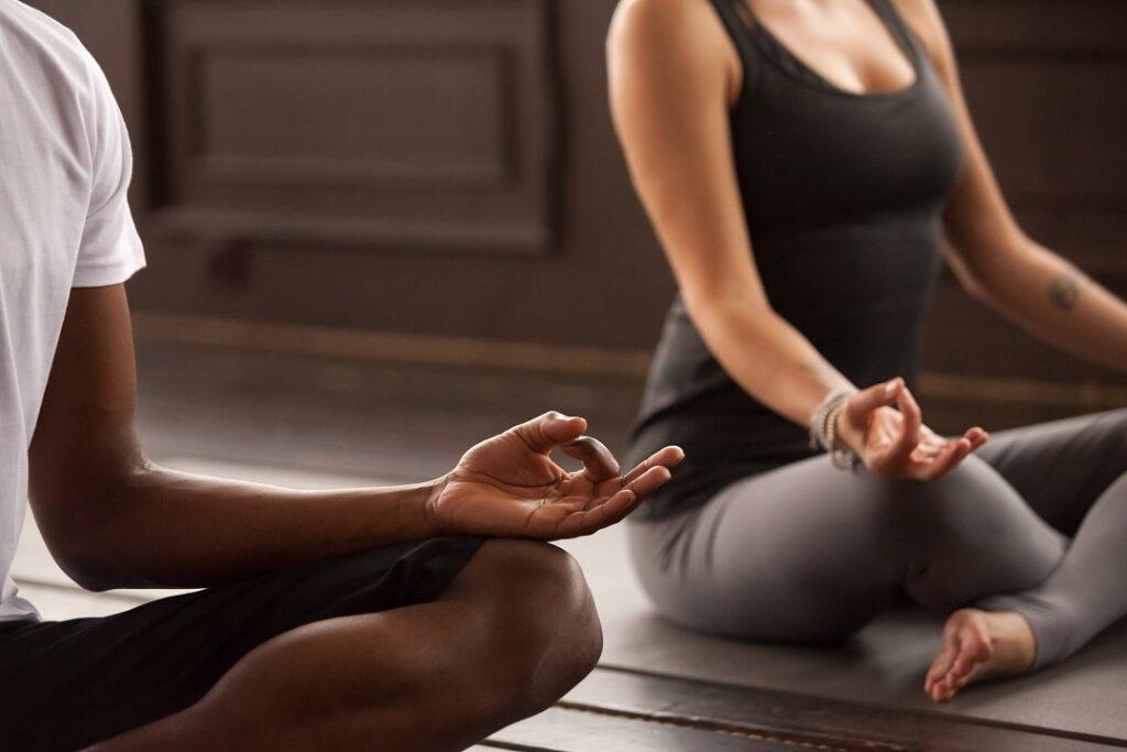 Hướng tập yoga tại nhà